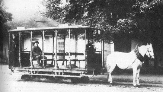 otvorni konjski tramvaj