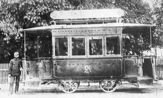 zatvoreni konjski tramvaj